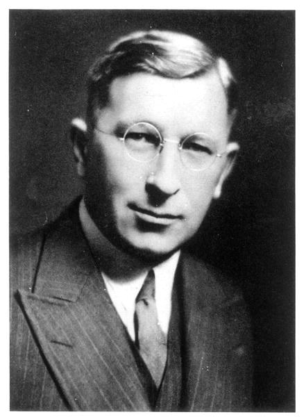 sir frederick banting essay Frederick was admitted to the university of toronto in 1912 he went to study divinity, but later transferred to medicine he went to study divinity, but later transferred to medicine roach had an aunt who lived in toronto , so she could be with banting while he was attending school.