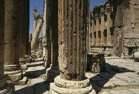 Temple of Bacchus, detail, High Imperial Period (27 BC-395 AD) (photo)