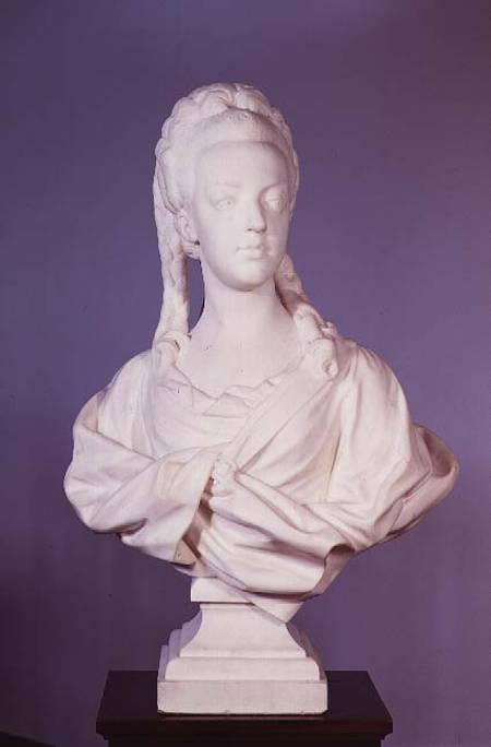 Visite à l'atelier de restauration des sculptures du C2RMF Marie_antoinette_1755_93_port_hi