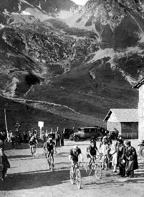 Tour de France 1929, 15th leg Grenoble/Evian on July 20 : here Antonin Magne ahead at the Lautaret p