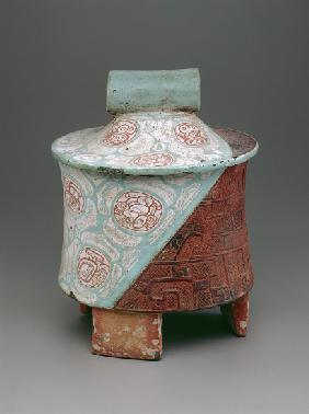 Tripod vessel with slab-legs (ceramic)