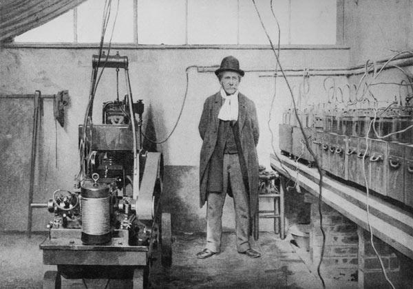 Marcellin Berthelot (1827-1907) in his laboratory in Meudon (Yvelines) (b/w photo)