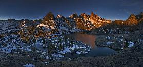 Minaret Lake: First Light
